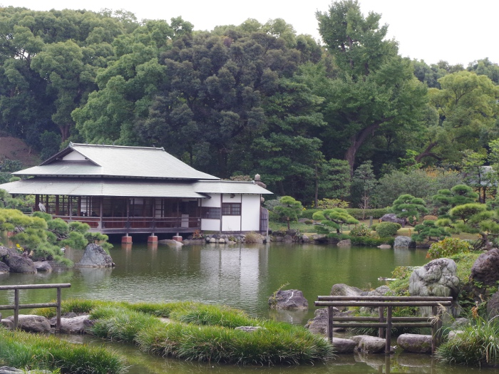 【イベントレポート】自分を幸福にするための手相教室 ~名勝・清澄庭園で喧騒から離れて自分を見つめる~