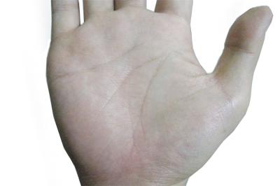 秋冬の乾燥は手の平のシワに影響