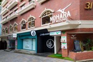NOHARAは表参道の通りに面した ステキなスタジオ&ショップ&カフェです。