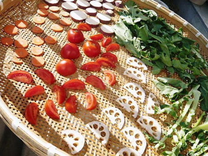 切って干すだけ!栄養・旨味たっぷり、干し野菜のススメ♪