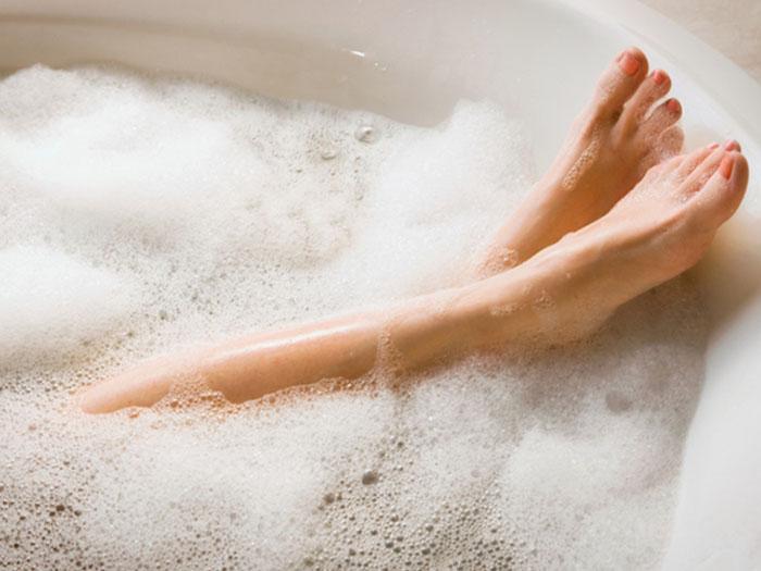 毎日のお風呂でバストアップ!?簡単ほぐしストレッチ