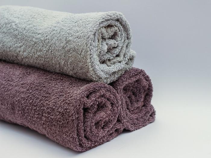 バスタオル使用1回で、雑菌が◯◯万個も・・・!?毎日洗えない対処法