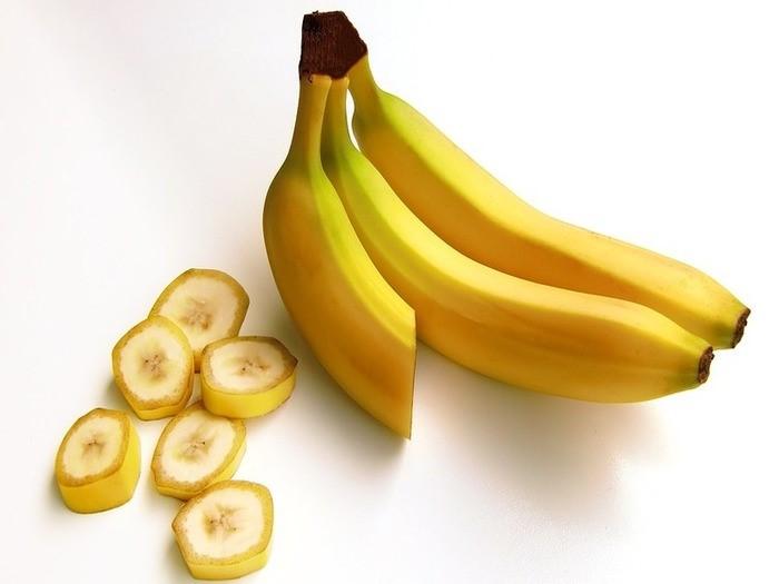 知ってますか?バナナの健康効果は色で違うって。