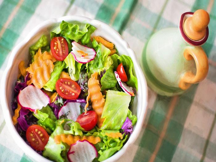ダイエット中、サラダだけは太る!?危険な落とし穴に迫る・・・。