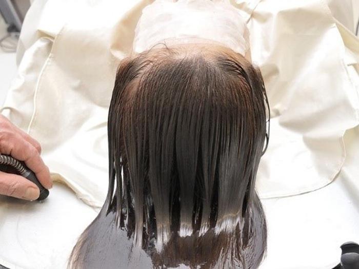 頭皮の老化は20代から始まっている…!正しい頭皮ケアで美髪を目指そう!